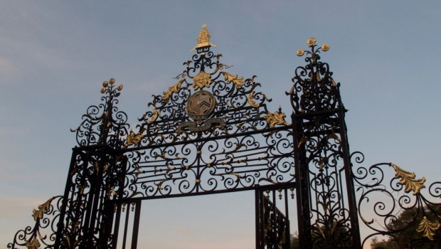 How To Design The Perfect Garden Gates